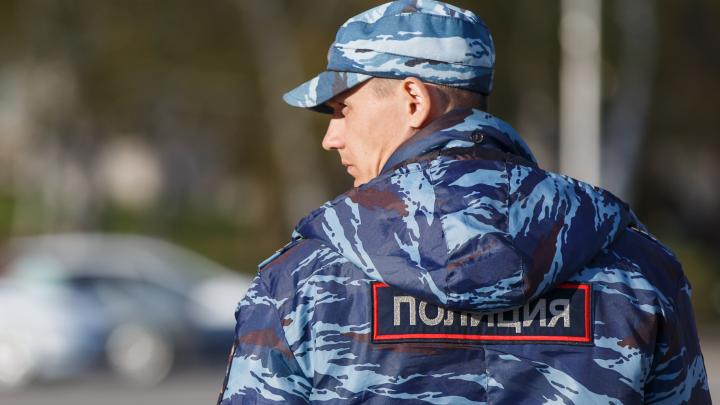 Низкорослые соцработницы вынесли из квартиры волгоградской старушки больше миллиона рублей