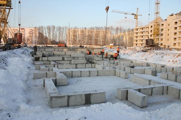 На втором месте по количеству построенного жилья застройщик ЖК«Фламинго»