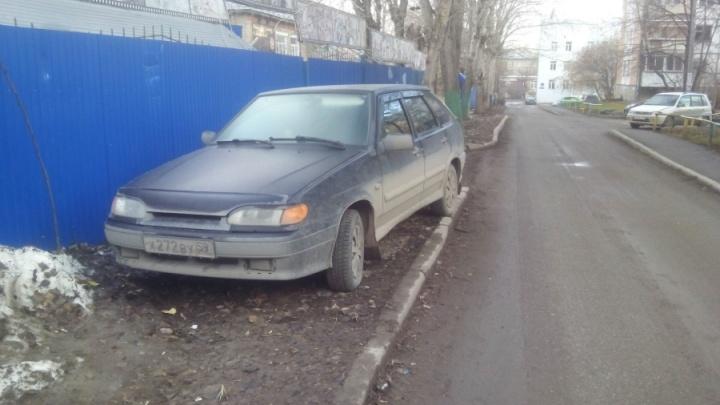 Сообщайте о нарушителях: в Перми стартовали рейды по незаконной парковке на газонах