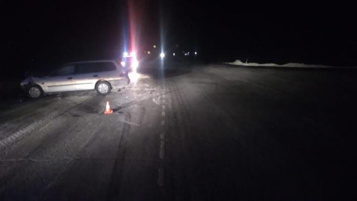 Четырёх человек увезли в больницу после аварии с «Тойотой» и «Хондой» на трассе