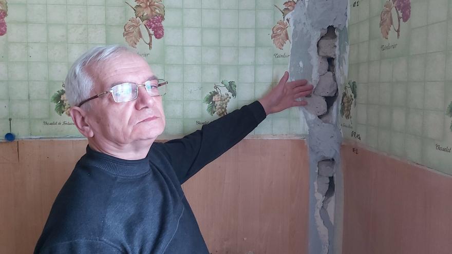 Уфимец — о доме, где вот-вот на голову упадет потолок: «Не могу здесь жить, я не камикадзе»