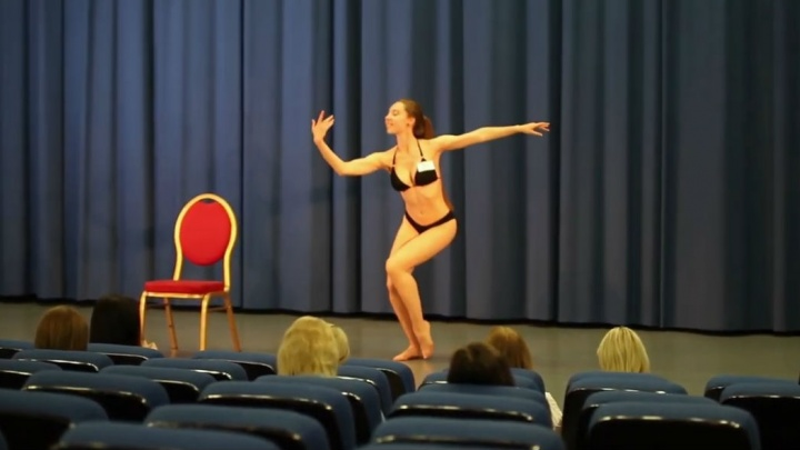 Красотки в купальниках садились на шпагат и танцевали: закулисье кастинга «Мисс Екатеринбург»