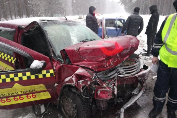 В ДТП попал автомобиль такси «Максим»