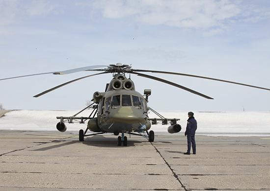 В полётах принимают участие пять военных вертолётов