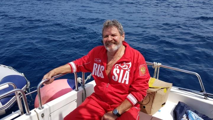 Чемпион по плаванию в холодной воде скончался во время тренировки в Енисее