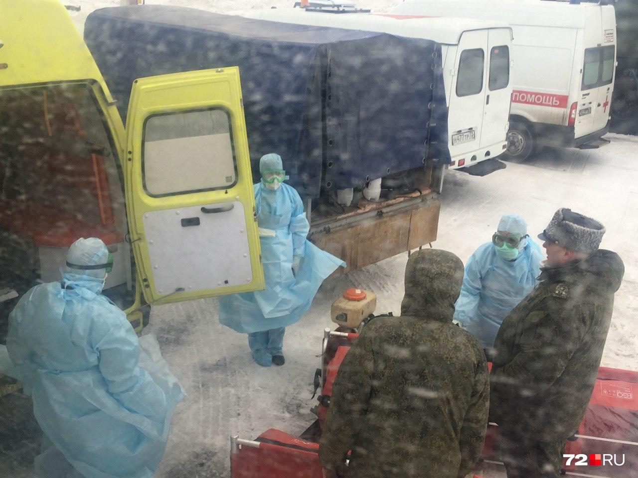 По словам главного санитарного врача России Анны Поповой, все специалисты готовятся встретить пассажиров в должном обмундировании