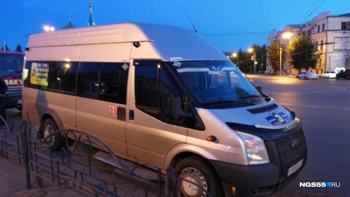 В Омске окончательно исчез нелегальный маршрут№ 322