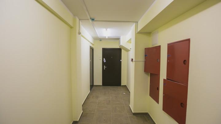 Воришка проверял все квартиры в подъезде и выносил ценности из незакрытых дверей