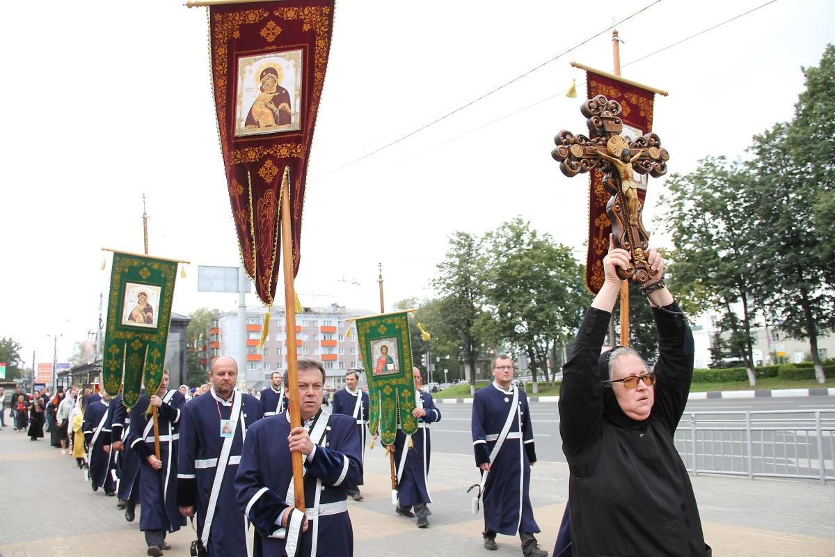 Нижегородцы вышли на крестный ход 1 сентября