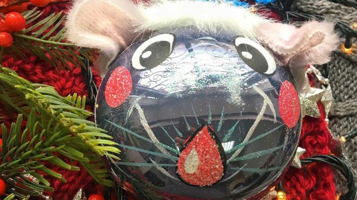 На красноярской фабрике игрушек создали коллекцию с символами 2020 года