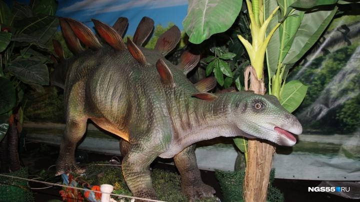 Птеродактиль из омского парка: гуляем по выставке движущихся динозавров