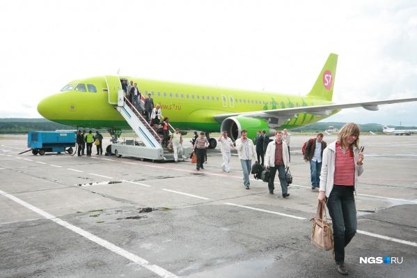 Самолёт опаздывает из-за позднего прибытия в Иркутск