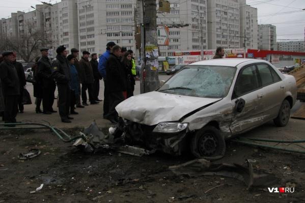 Одна из самых жутких аварий случилась в 2009 году на улице Мясникова