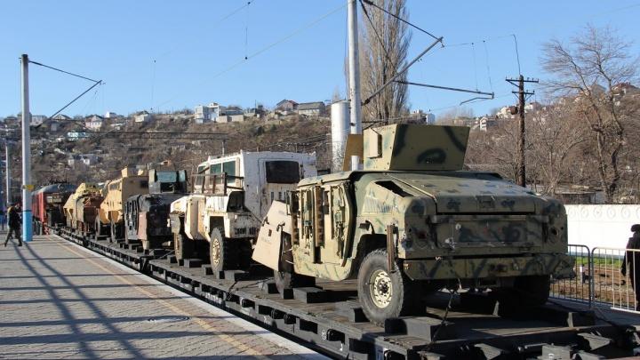 В Екатеринбург приедет поезд с огнестрельным оружием и самодельными бомбами боевиков из Сирии