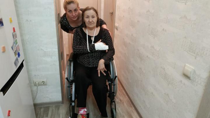 «Встали на тропу войны»: сибирячка с тяжёлой болезнью не смогла получить лекарства и сломала руку
