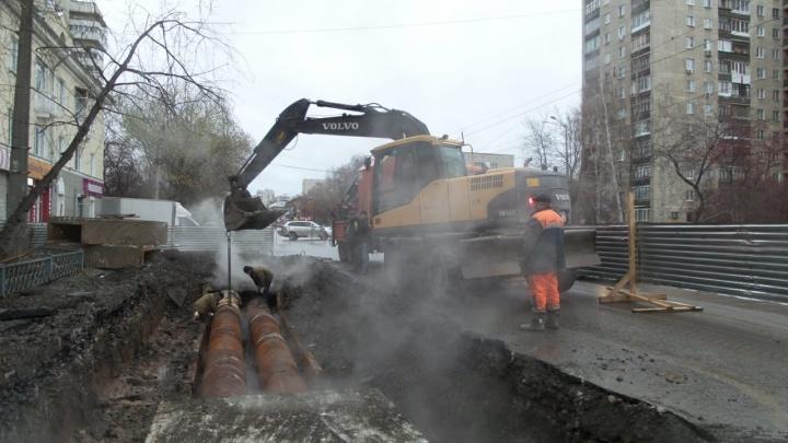 Жителям Уралмаша пообещали вернуть тепло в квартиры до морозов