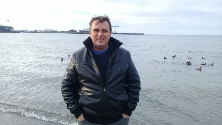 Под Новочеркасском микроавтобус протаранил три автомобиля: в аварии погиб известный хирург