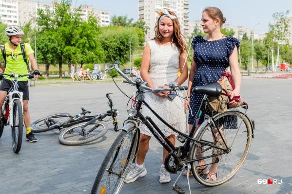 Велодорожки на улице Ленина, в том числе рядом с Театром-Театром, обновят: установят столбики, нанесут разметку