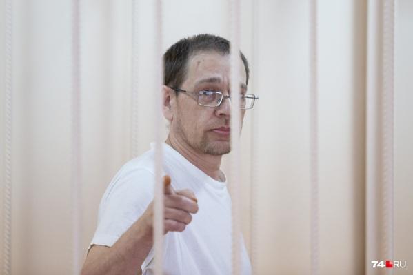 Иван Коптеев вину в убийстве бывшей жены признал, но от дачи показаний в суде отказался
