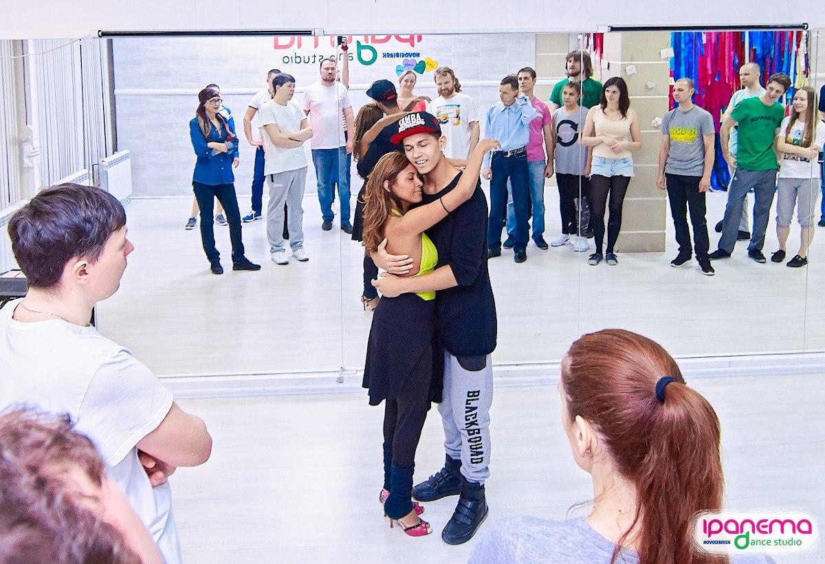 Иностранцы в Сибири: бразильская пара научит всех желающих танцевать зук и самбу