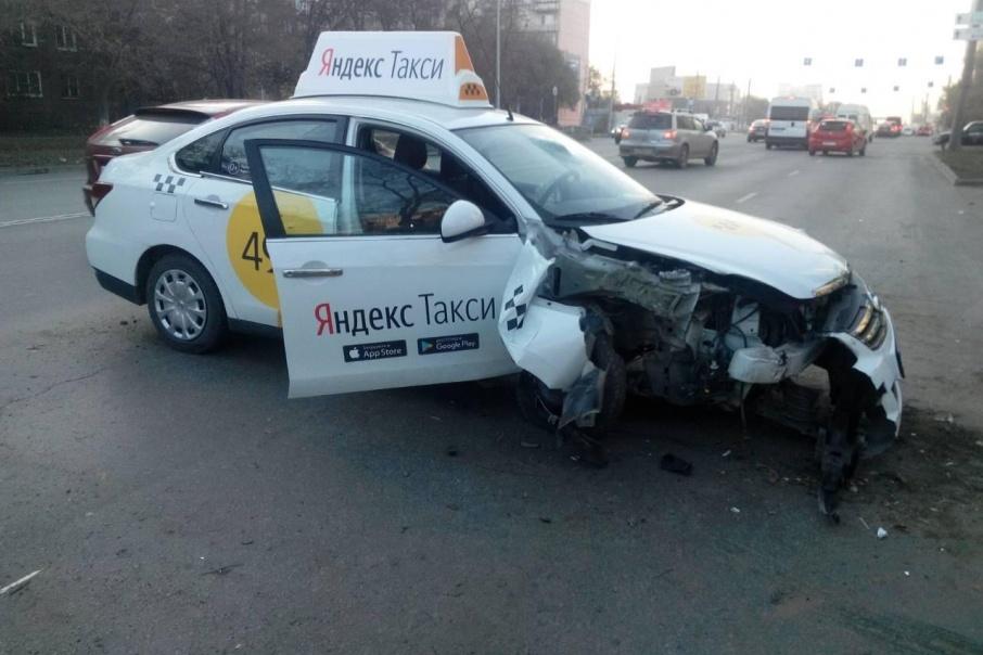 Водитель отвлёкся на телефон, а непристёгнутый пассажир погиб