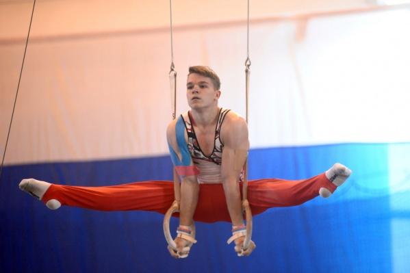 Гимнаст Михаил Худченко