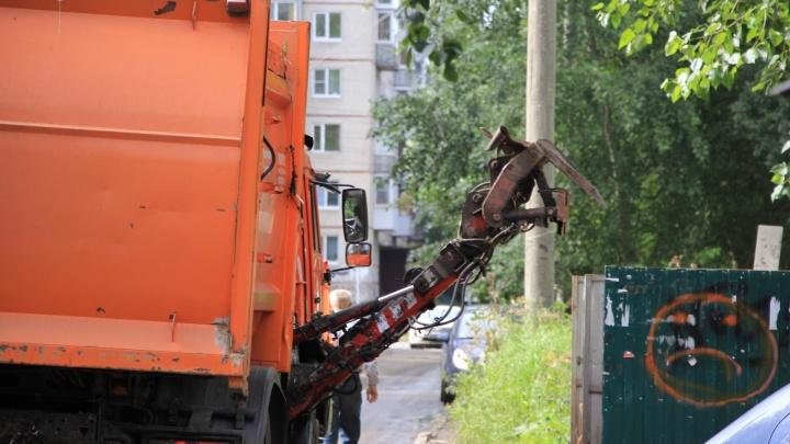 «Не может выполнить комплекс задач»: Игорь Орлов рассказал о смене «мусорного» оператора в Поморье