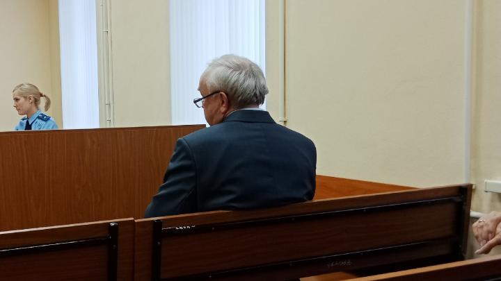 «Райффайзенбанк» требует полмиллиарда с обанкротившегося Олега Шишова