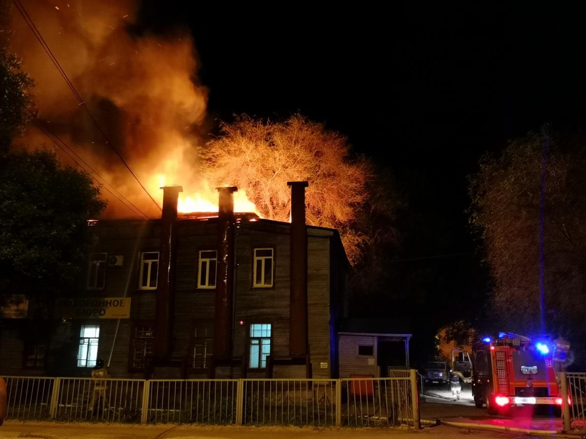Пожар в частном секторе переполошил весь район