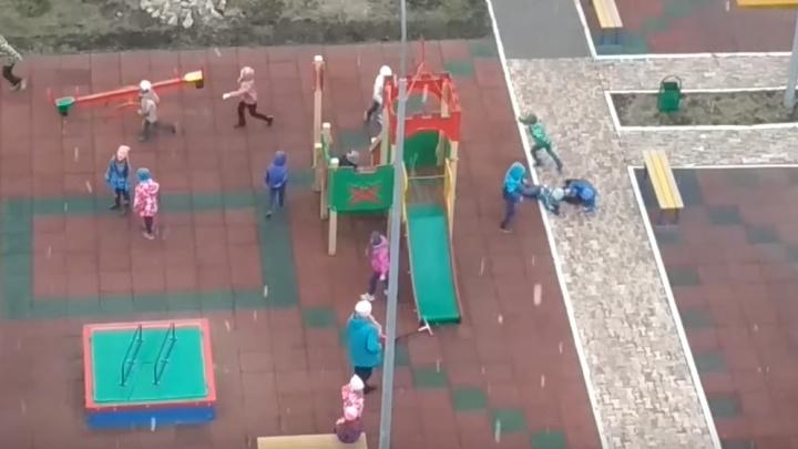 «При этом уродителей претензий нет»: следователи проверяют видео с играми детей в детсаду