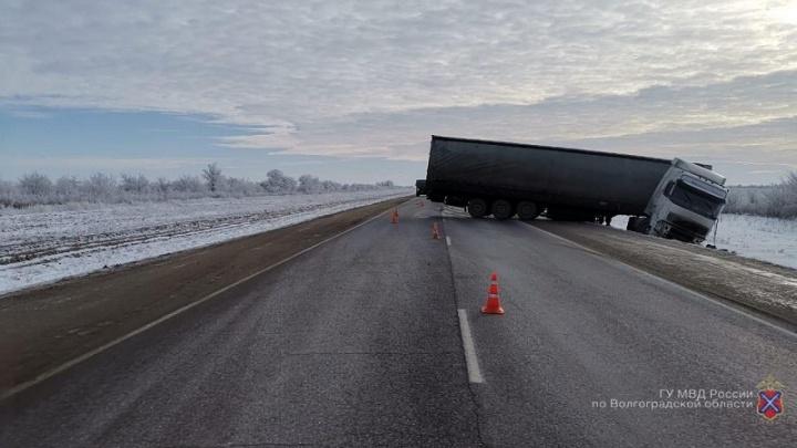 Смерть на встречке: под Волгоградом в столкновении двух фур погиб водитель VolvoTrucks