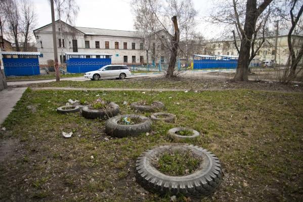 Мэрия Новосибирска объяснила, зачем разрешила построить новый трёхэтажный детский сад