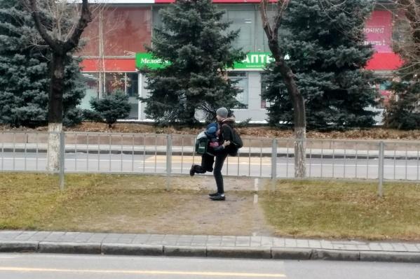 Со дня отмены пешеходного перехода на Невской прошло уже больше года