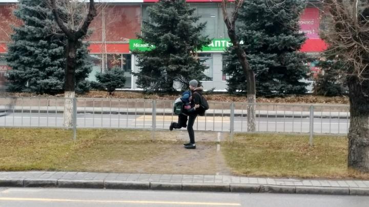 «Это стоит 700 тысяч»: чиновники не нашли денег на светофор для скандального перехода на Невской