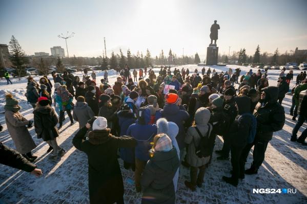 Красноярцы вышли на Красную площадь и потребовали решения проблем с экологией