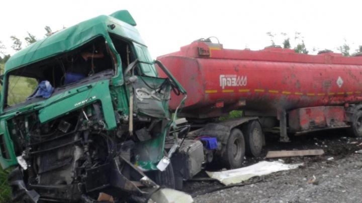 Пассажир «Газели» погиб, водители ГАЗа и МАЗа — с травмами: подробности ДТП в Щучанском районе