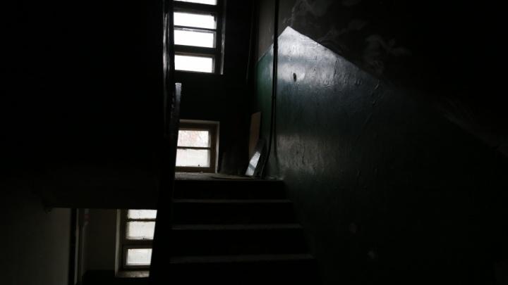 Облезлые стены и штукатурка: жильцы уфимского дома 25 лет умоляют о ремонте
