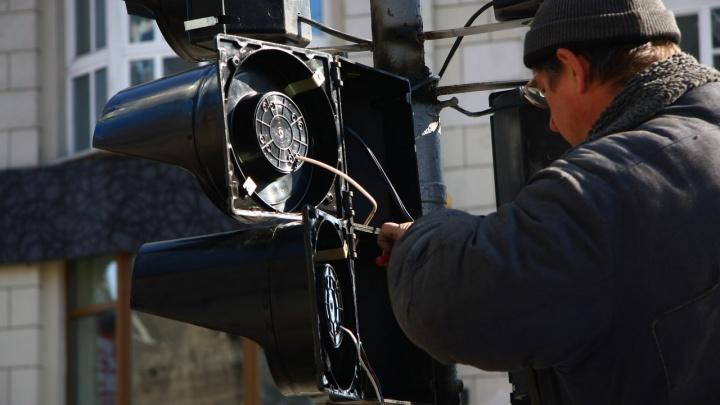 Ищите объезд: ремонт светофоров у «Советской Сибири» привёл к огромным пробкам