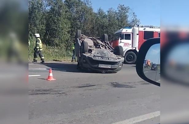 На Окружном шоссе «Тойота» попала в ДТП с перевёртышем