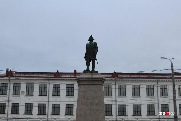 Министерство культуры окажет поддержку ремонту известного памятника с 500-рублёвой купюры