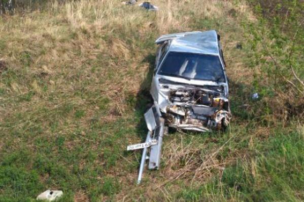 Водитель машины погиб