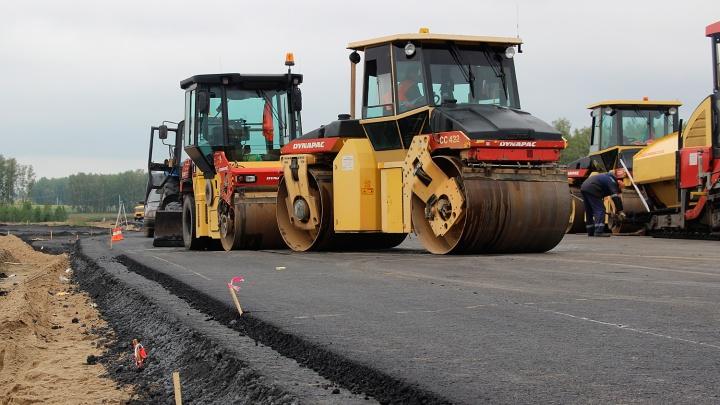 В офисе компании, которая ремонтировала дороги в Омской области, прошли обыски