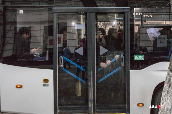 Автобус из Батайска ехал набитый битком