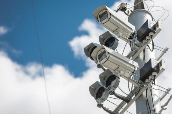 Полицейские ищут нарушителя по записям камер видеонаблюдения