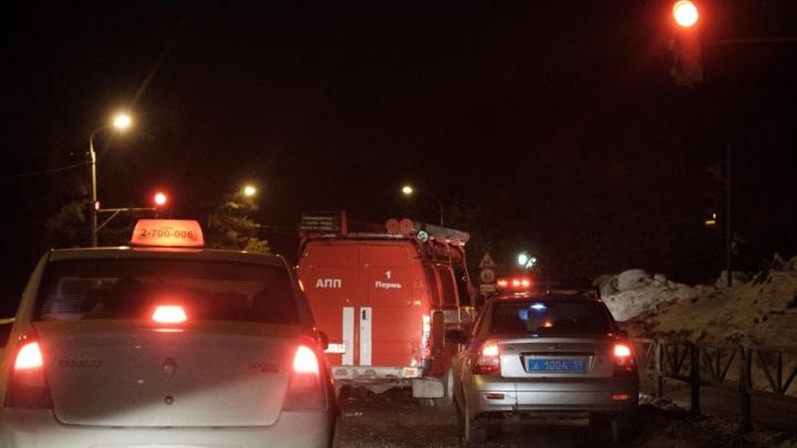 Выехал на встречку и врезался в грузовик. В аварии на трассе в Прикамье погибли три человека