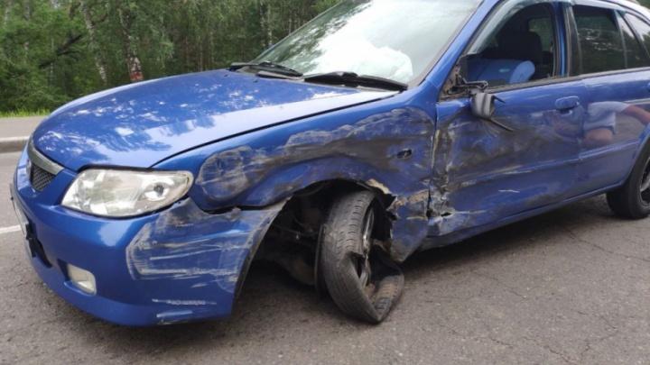 Пьяная женщина без прав везла в машине детей и устроила аварию с автобусом