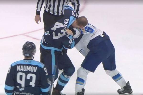 Игнатович и Пушкарёв устроили драку в конце игры