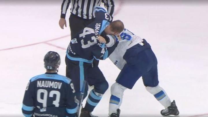 Напряжённое противостояние «Сибири» и «Барыса»: 6 шайб в воротах проигравших и драка под занавес
