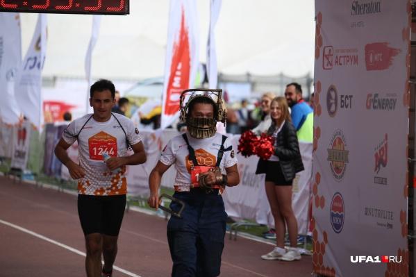 Необычные бегуны вызывали не страх, а улыбку