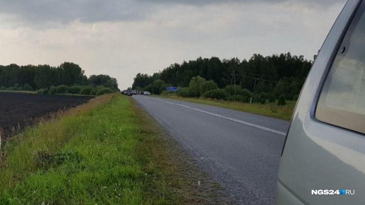 Попутчик найденного мёртвым на трассе красноярца из больницы рассказал, что случилось
